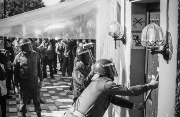 LA REVUELTA CAMPESINA DE LOS COLONOS DE LARIOS: DIEZ DIAS DE ENCIERRO EN LA CUEVA DE NERJA